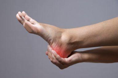أسباب الإصابة بقدم شاركو علاج قدم شاركو الأسباب والأعراض والتشخيص والعلاج أمراض القدم العظام والمفاصل والنسج الرخوة في القدم