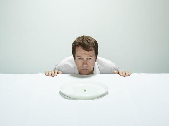 هل يجعلك الجوع أنانيًا؟ كيف يؤثر الجوع على مشاعرنا وأفكارنا وتصرفاتنا