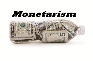 المدرسة النقدية: طباعة النقود لكبح التضخم - كيفية إدارة الاقتصاد وحل مشكلاته وأزماته - النقدية نظرية في الاقتصاد الكلي تنتقد المدرسة الكينزية