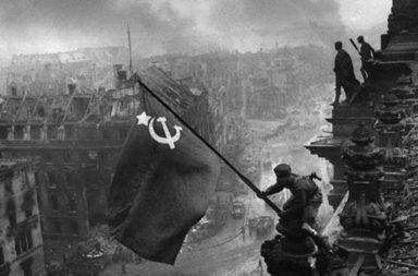 كل ما تود معرفته عن معركة ستالينغراد - معركة ضارية دارت بين القوات الروسية من جهة والقوات الألمانية النازية وحلفائها من دول المحور من جهة أخرى