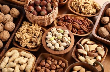 هل المكسرات تزيد الوزن؟