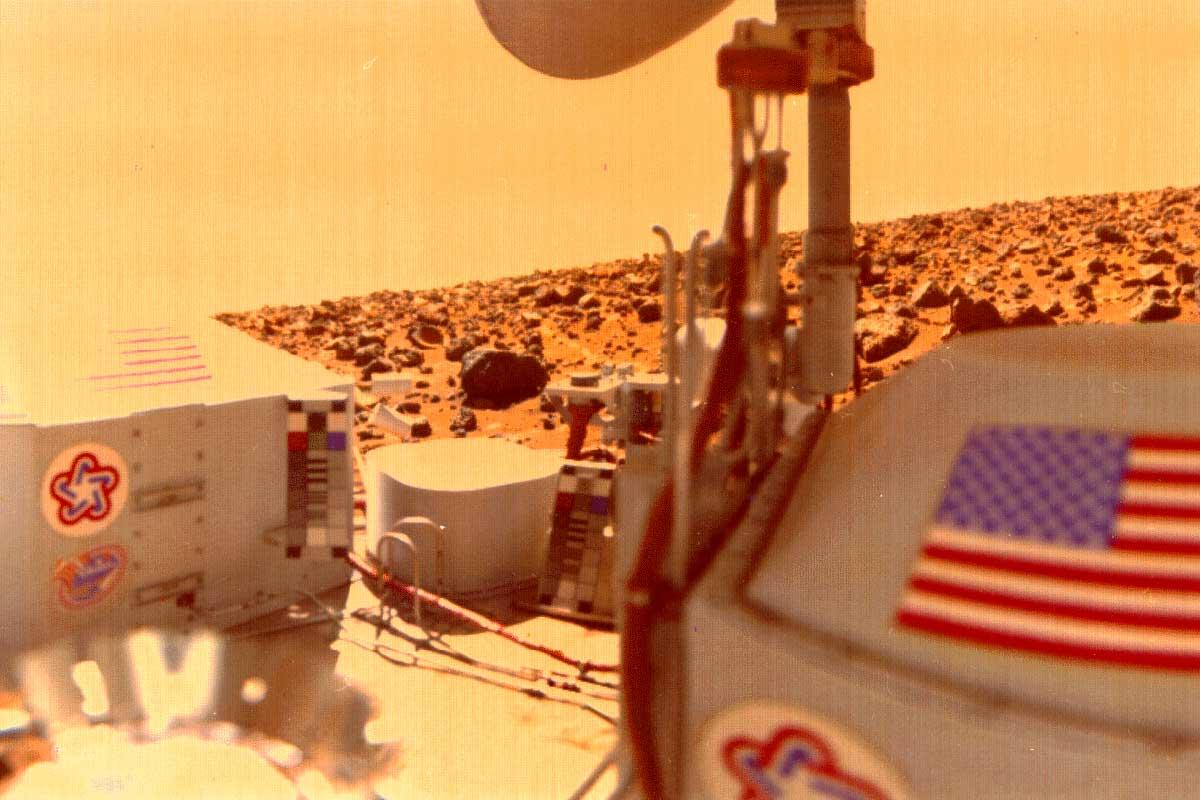 عالم سابق في ناسا يناقض تصريحات الوكالة ومقتنع باكتشافنا لحياة على المريخ