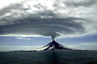 الكوارث الأكثر تدميرًا في تاريخ البشرية - القوة الخارقة التي تتحلى بها الطبيعة - والانفجارات البركانية والأعاصير وموجات تسونامي - الكوارث الطبيعية