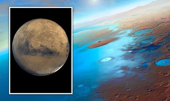 دراسة تشير إلى أن المريخ قد يخفي محيطات تحت قشرته - وجدت دراسة جديدة أنه من الممكن أن مياه المريخ بقيت مدفونةً تحت قشرته منذ وقت طويل