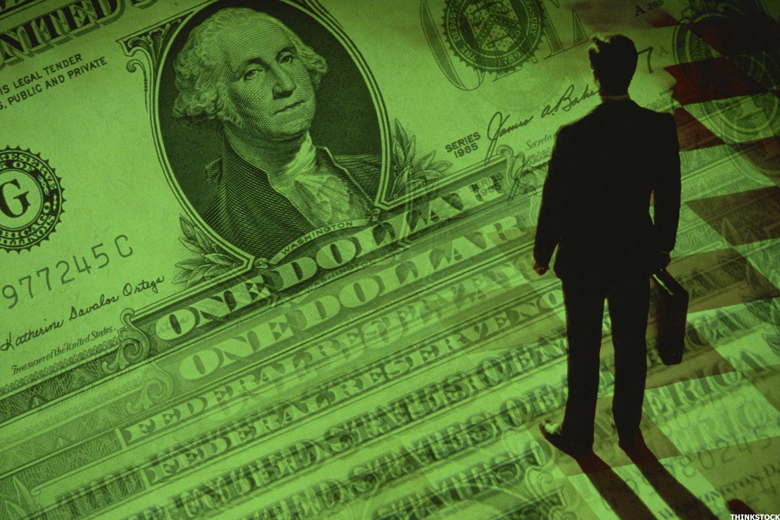 ما الأسهم ذات القيمة الكبيرة - الشركات ذات الحصة السوقية الكبيرة - توزيعات الأرباح لأصحاب الأسهم - ارتفاع نسبة السعر إلى العوائد