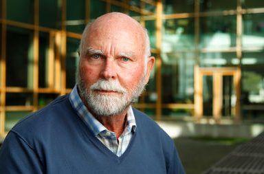 قصة حياة جون كريج فنتر السيرة الذاتية أشهر أقوال جون كريج فنتر عالم جينات أمريكي كيميائي حيوي أمريكي مشروع الجينوم البشري